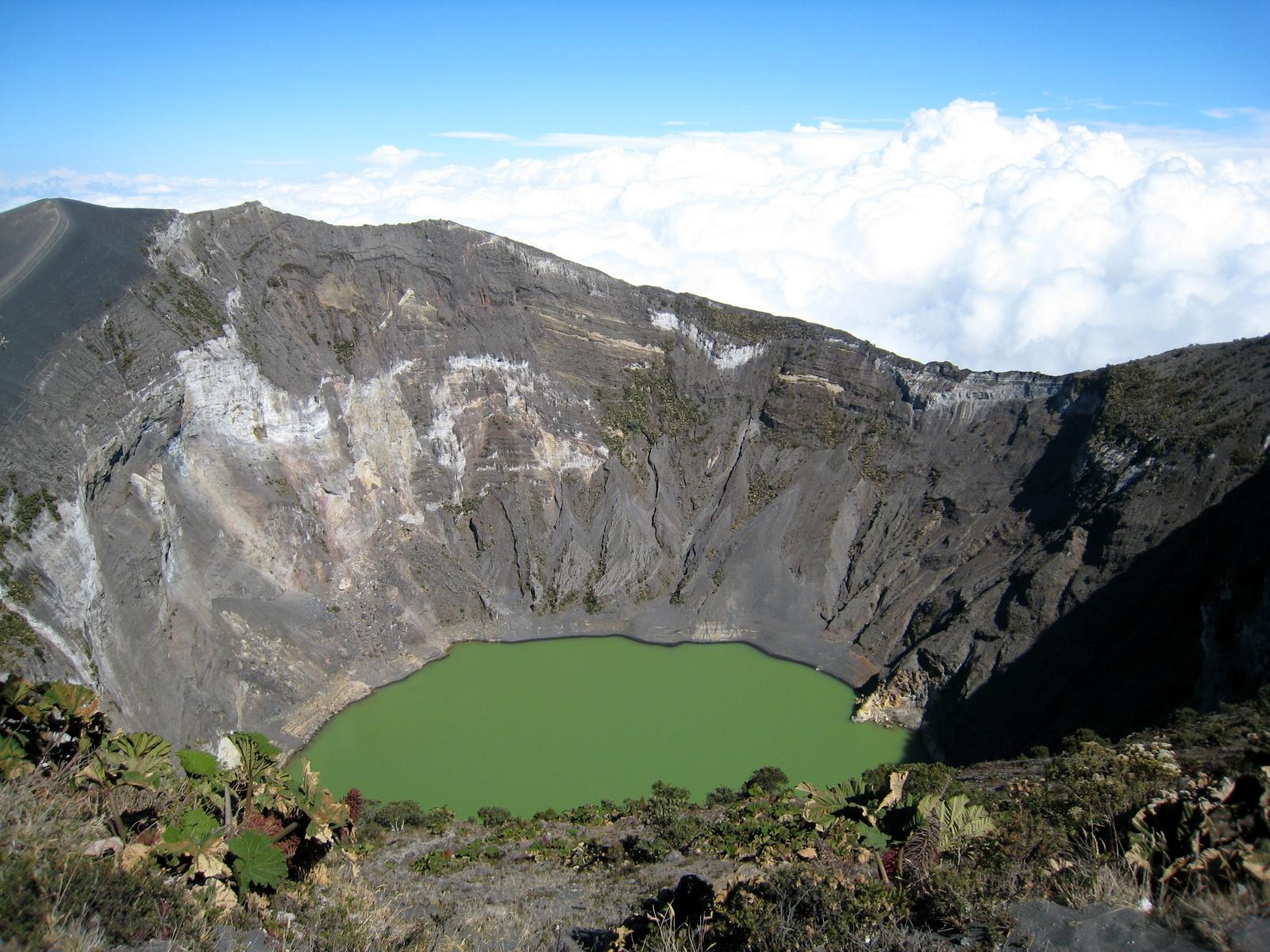 Crater Diego de la Haya, Irazu volcano