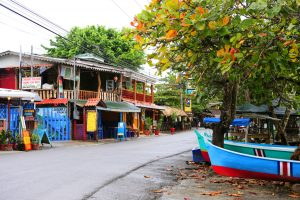Puerto Viejo, town center. Photo by Edsart Besier