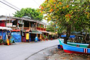 Puerto Viejo, town center. Photo by Edsart Besier